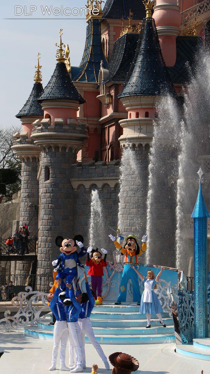 """[Nouveau] Mickey présente : """"Joyeux Anniversaire Disneyland Paris"""" (2017) - Page 2 IMG_0582"""