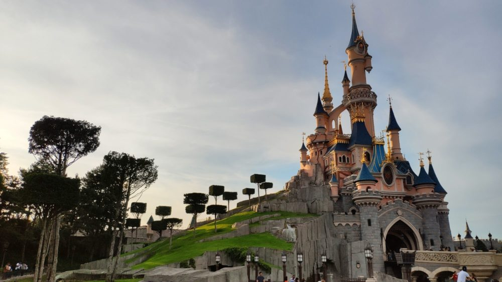 Saison Halloween Disneyland Paris 2019.Disneyland Paris Summer Season 2019 More Dlp Welcome